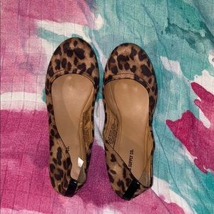 Mossimo supply co animal print flats NWOT